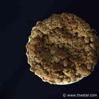 Try this savoury twist on classic apple crumble pie