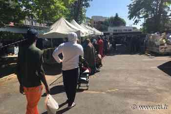Confinement : à Clichy-sous-Bois, de longues files d'attente pour la distribution alimentaire - RTL.fr