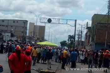 Habitantes de Punta de Mata, estado Monagas, rompen cuarentena social para protestar #23Abr - El Impulso