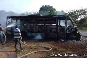 Camión se incendia en Catemaco - El Dictamen