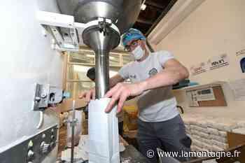 La minoterie Estager à Egletons (Corrèze) se met aux sacs de 1 kilo pour pallier la pénurie de farine - La Montagne