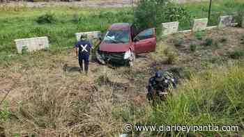 Se sale de la carretera conductora de Versa, en Cosamaloapan - Diario Eyipantla