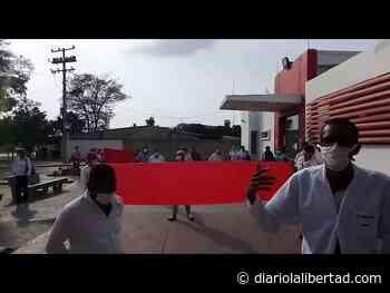 Trabajadores de la ESE Hospital Local de Luruaco denuncian falta de pago de salarios - Diario La Libertad