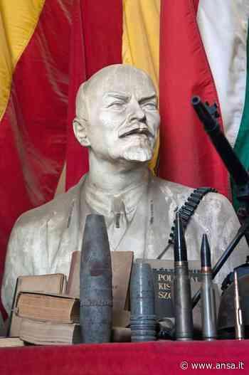 Compie 50 anni busto Lenin a Cavriago - Agenzia ANSA