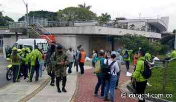 En Guayabal sacaron trapos blancos para recolectar ayudas humanitarias - Caracol Radio