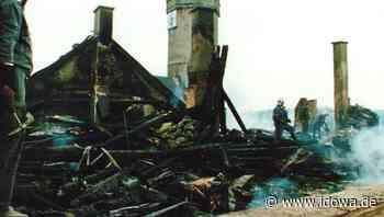 Hilfe aus FFW Furth im Wald: Vor 25 Jahren brannte die Chodenburg - Chamer Zeitung