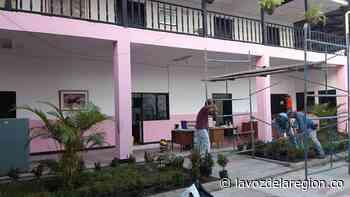 Mantenimiento y restauración al edificio municipal en Tarqui - Noticias