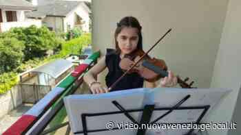 Marcon, la 'Bella Ciao' al violino della piccola Alessia - la Nuova di Venezia