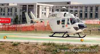 Reggiolo, cade da 4 metri di altezza: operaio miracolato - Reggionline