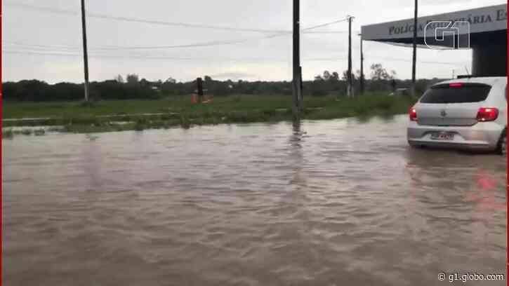 Aquiraz, na Grande Fortaleza tem a maior chuva do ano, com 170 mm; moradores sofrem com alagamentos - G1