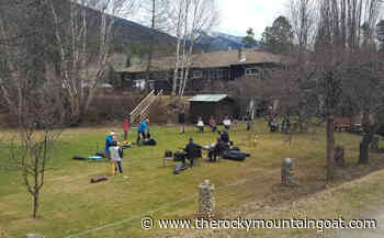 Valemount Old Timers play lawn concert for seniors – VIDEO - The Rocky Mountain Goat