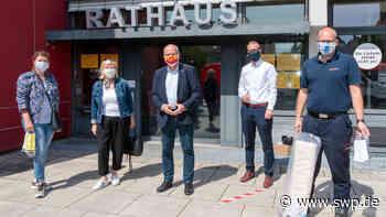 Freiwillig fertigen Behelfsmasken: Schon 2000 Masken in Tamm verteilt - SWP