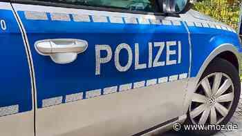 Unfall in Wustermark: Auto mehrere Meter über Straße geschoben - Märkische Onlinezeitung