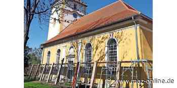 Marwitz - Die Kirchenfassade wird saniert - Märkische Allgemeine