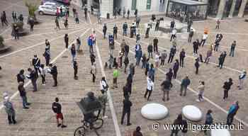 Coronavirus, commercianti esasperati, protesta in piazza a Tolmezzo - Il Gazzettino