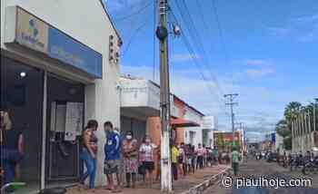 Vídeo mostra fila enorme de pessoas para receber auxílio emergencial em Piripiri - Piauí Hoje