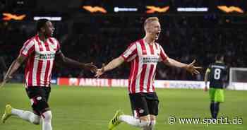 Timo Baumgartl von PSV Eindhoven über Mark van Bommel.und Nationalmannschaft - SPORT1