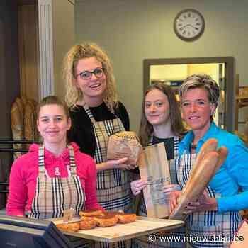 Vijftien kaarsjes voor Bakkerij Lanaux in Ottenburg
