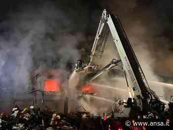 Macelleria a Postal in fiamme da 24 ore - Trentino AA/S - Agenzia ANSA