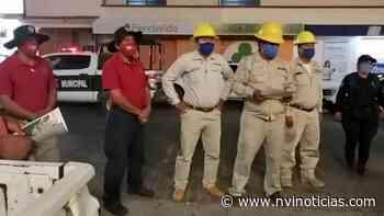 Sanitizan las calles de Puerto Escondido - NVI Noticias