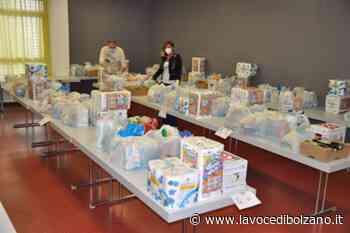 Laives, iniziata la distribuzione di pacchi alimentari per le famiglie - La Voce di Bolzano