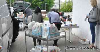 Pacchi spesa per ora a 64 famiglie - Laives - Alto Adige