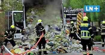 Feuerwehr - Müllwagen brennt in Bad Schwartau - Lübecker Nachrichten