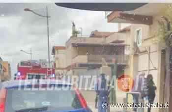 Villaricca, incendio in nota pasticceria: le fiamme salgono alle abitazioni - Teleclubitalia.it