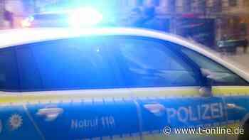 Schmelz im Saarland: Junge Männer bedrohen Polizisten mit Macheten - t-online.de