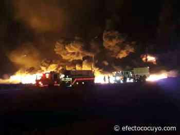 Incendio en Morichal dañó cuatro kilómetros de tuberías petroleras, dice director de Futpv - Efecto Cocuyo