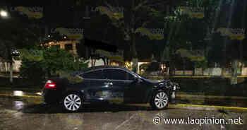 Chocó por no guardar su distancia en el bulevar Adolfo Ruiz Cortines en Poza Rica - La Opinión