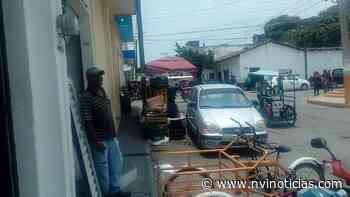 Comerciante se adueña de la calle en Pijijiapan - NVI Noticias