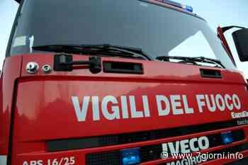 Auto distrutta dalle fiamme a Peschiera Borromeo: evacuato un palazzo - 7giorni
