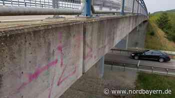 Polizei erwartet Sprayer an ihrem Auto - Nordbayern.de