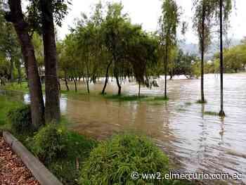 El río Santa Bárbara se desborda en diferentes sectores de Gualaceo - El Mercurio (Ecuador)