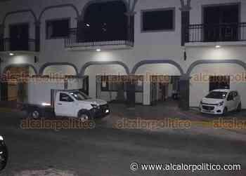 Comando armado intenta robar cajeros automáticos en Palacio Municipal de Sayula - alcalorpolitico
