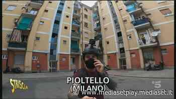 Droga a Pioltello, Brumotti accolto con insulti e sassi - Striscia la notizia Video - Mediaset Play