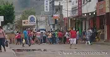 Continúa cierre de calles en Teapa - Diario Presente