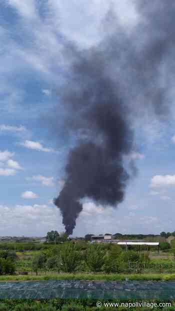 Vasto incendio doloso divampato a Caivano (VIDEO) - Napoli Village - Quotidiano di informazioni Online