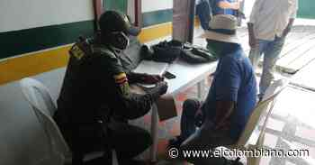 En Caucasia, tres personas intentaban burlar cuarentena en ambulancia - El Colombiano