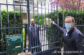 Plus de 5500 masques distribués en porte à porte à Chelles - Le Parisien