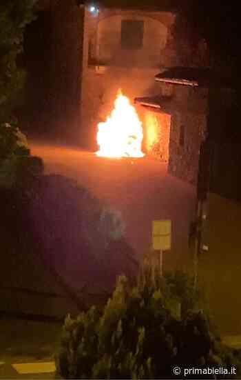 Incendio distrugge un'auto a Gaglianico - Eco di Biella