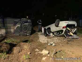 Incidente a Gaglianico, sfonda il muretto di un'abitazione distruggendo recinzione e due auto FOTO - newsbiella.it