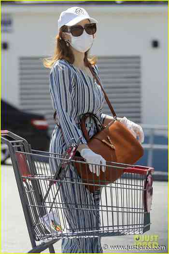 Jessica Chastain Wears a Mask & Gloves While Shopping for Baby Essentials | jessica chastain shopping april 2020 03 - Photo - Just Jared