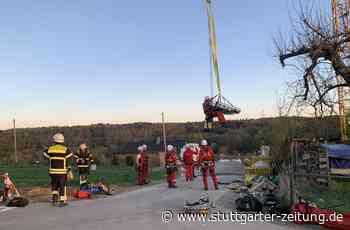 Neuhausen auf den Fildern - Mann verletzt sich auf Baustelle – Rettung mit Kran - Stuttgarter Zeitung