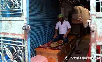 Pandemi di Bulan Ramadhan, Muslim New Delhi Ibadah di Pasar - INDONESIAINSIDE.ID