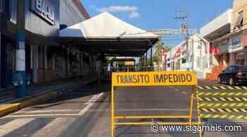Prefeitura e Defesa Civil de Osvaldo Cruz montam tenda para beneficiários do Auxílio Emergencial - Siga Mais