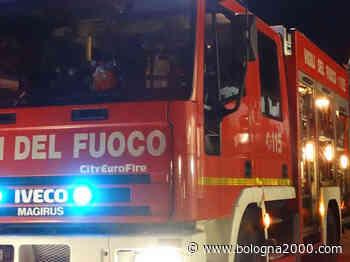 Castelfranco Emilia: a fuoco autovettura in area condominiale - Bologna 2000