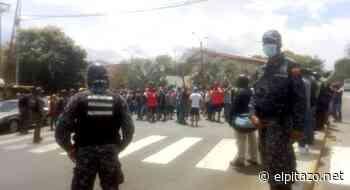 Conductores protestaron por irregularidades en gasolinera de Guatire - El Pitazo