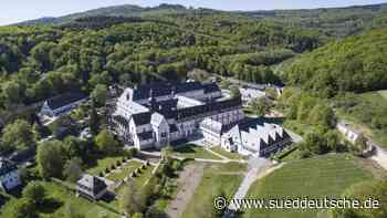 Kloster Eberbach öffnet nach sieben Wochen wieder - Süddeutsche Zeitung